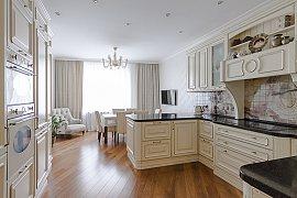Продажа 5-ти комнатной квартиры с дизайнерским ремонтом 220 кв.м на 7 этаже в ЖК Воробьевы Горы, Мосфильмовская улица, 70к7